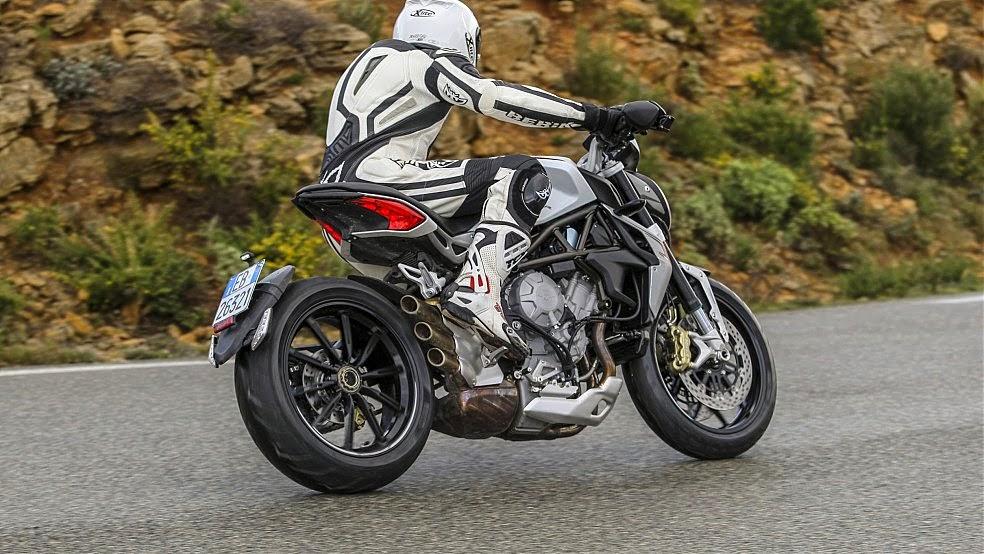 le più belle moto italiane mv 800 brutale dragster