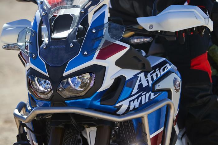 Honda CRF1000L Africa Twin adventure Sport 2018: pregi e difetti vantaggi e svantaggi