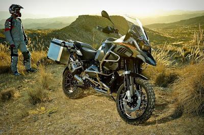 Come si guida una moto maxi-enduro  fuoristrada