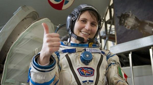quanto guadagna un astronauta italiano