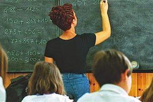 Assunzioni scuola: 160 mila posti di lavoro a rischio