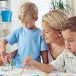 Home schooling: educare i figli a casa, pro e contro