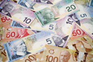 quale valuta conviene comprare dollaro canadese
